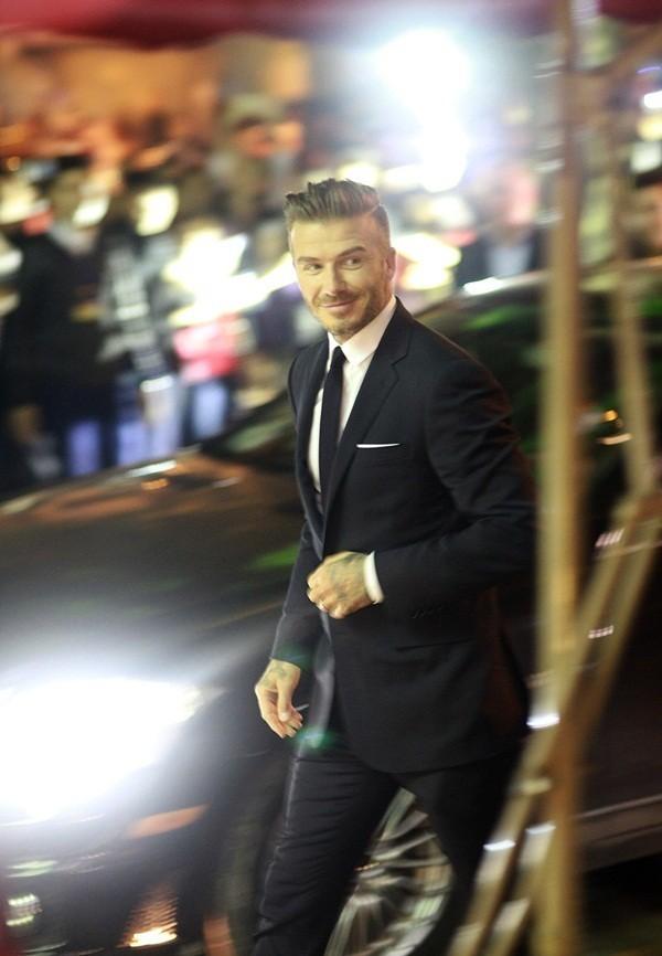 Cận cảnh vẻ quyến rũ chết người của David Beckham khi đi dự tiệc tại Hà Nội - anh 12