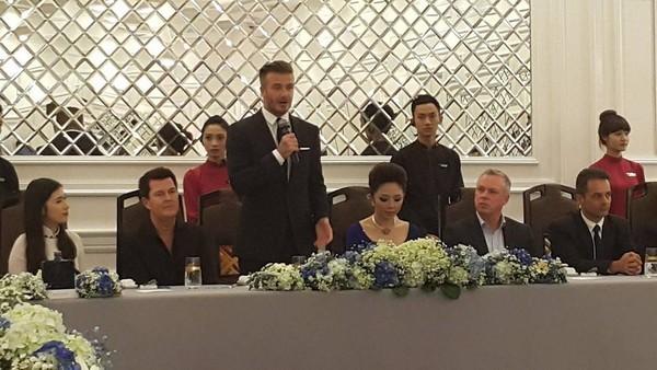 Cận cảnh vẻ quyến rũ chết người của David Beckham khi đi dự tiệc tại Hà Nội - anh 8