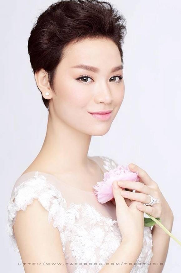 Bản tin showbiz: Cường Đô la tỏ tình với Hà Hồ, Thuỷ Tiên nhập viện.. - anh 7