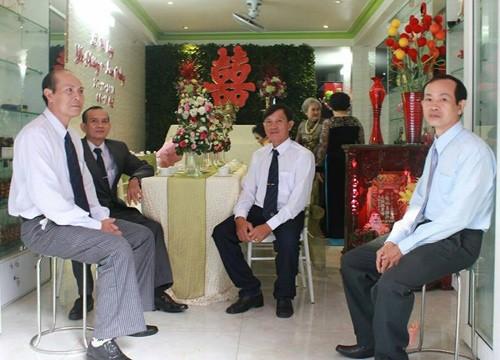 Lam Trường mặc áo dài truyền thống trong lễ ăn hỏi - anh 10
