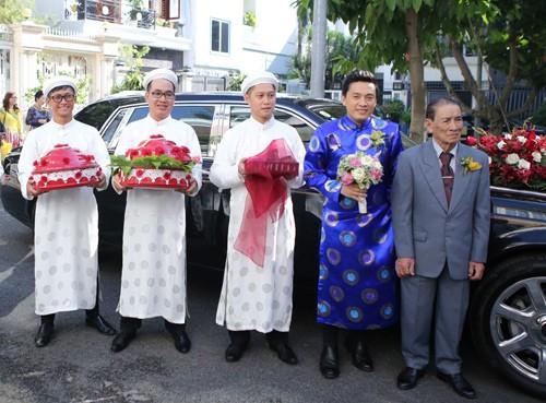Lam Trường mặc áo dài truyền thống trong lễ ăn hỏi - anh 3