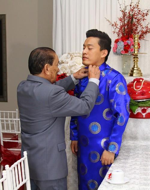 Lam Trường mặc áo dài truyền thống trong lễ ăn hỏi - anh 7