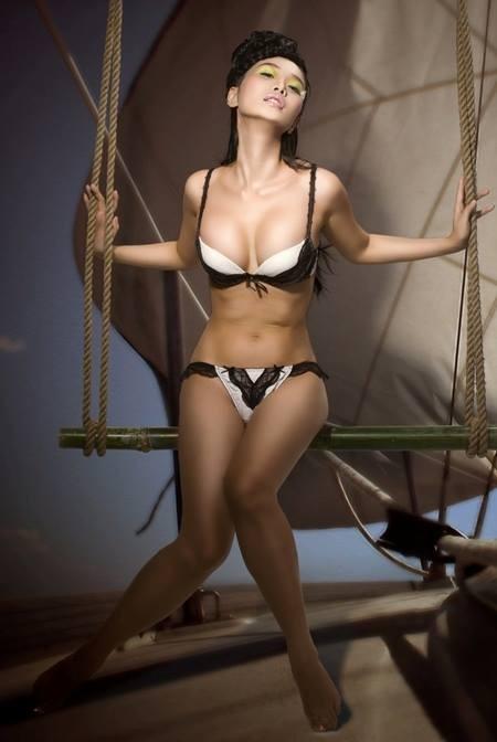 Lê Kiều Như thiêu đốt khán giả bằng ảnh bikini nóng bỏng - anh 6