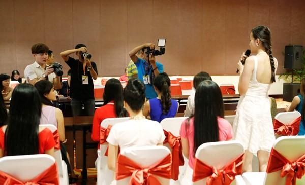 Hoa hậu Việt Nam 2014: Các thí sinh rạng rỡ trước thềm chung kết - anh 1