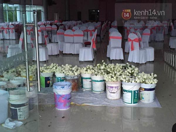 Không khí tất bật chuẩn bị cho đám cưới Công Vinh - Thủy Tiên tại quê nhà - anh 2