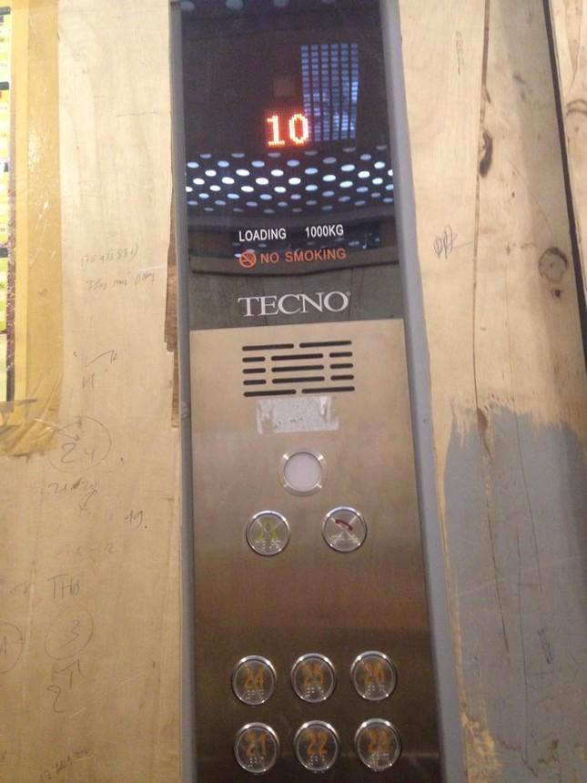 Thang máy rơi tự do tại tòa nhà 250 Minh Khai - anh 2