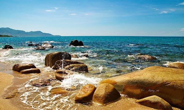 Khám phá những bãi biển hoang sơ, tuyệt đẹp cho dịp lễ 30/4-1/5 sắp tới - anh 12