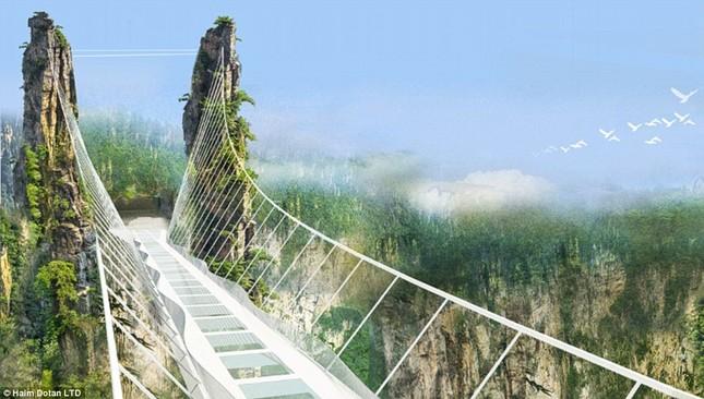 Ngắm cây cầu bằng kính cao nhất thế giới ở Trung Quốc - anh 2