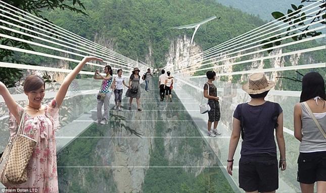 Ngắm cây cầu bằng kính cao nhất thế giới ở Trung Quốc - anh 6