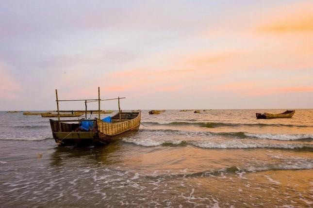 Đến Quảng Ninh ngắm vẻ đẹp biển Trà Cổ - anh 7
