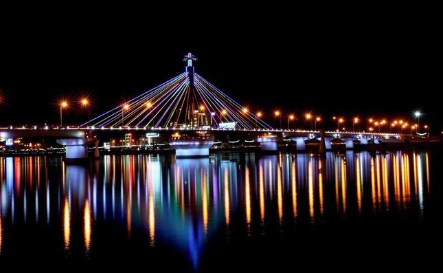 Quê Hương Sao Việt với nhiều địa điểm du lịch nổi tiếng (Phần 3: Đà Nẵng – quê hương của Mỹ Tâm) - anh 2