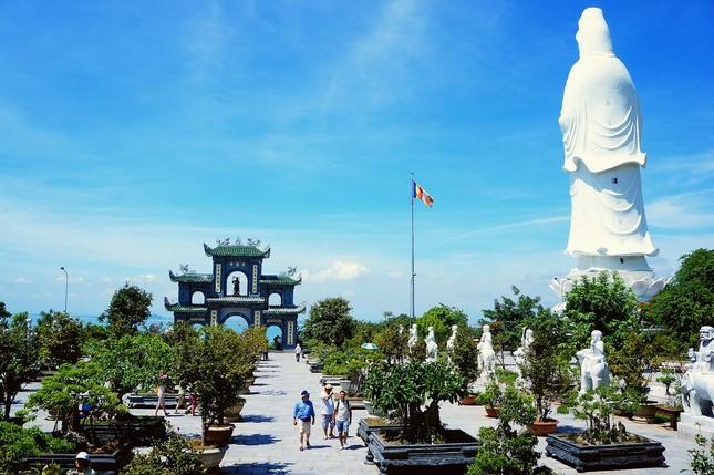Quê Hương Sao Việt với nhiều địa điểm du lịch nổi tiếng (Phần 3: Đà Nẵng – quê hương của Mỹ Tâm) - anh 7