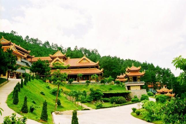 Điểm danh những thiền viện Việt Nam có kiến trúc tuyệt đẹp - anh 2