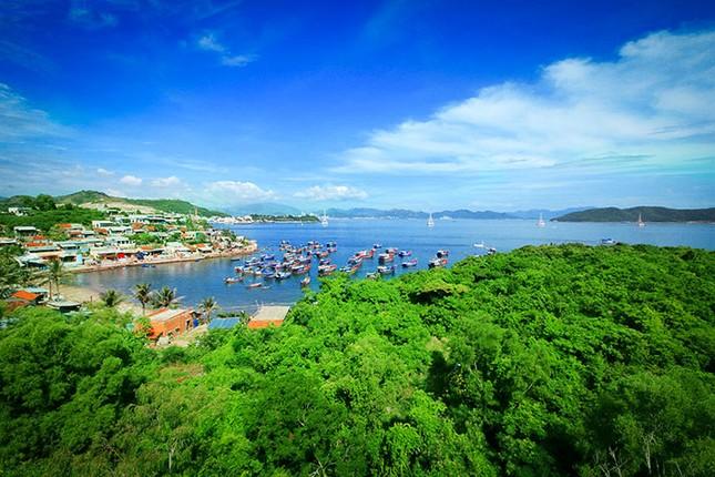 """Đến Hòn Tằm chiêm ngưỡng vẻ đẹp của """"đảo xanh"""" giữa Vịnh Nha Trang - anh 12"""