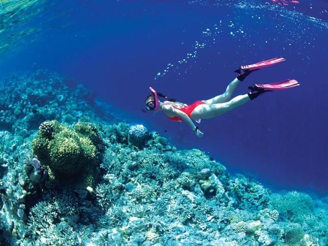 """Đến Hòn Tằm chiêm ngưỡng vẻ đẹp của """"đảo xanh"""" giữa Vịnh Nha Trang - anh 9"""