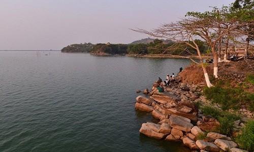 Hồ Dầu Tiếng - điểm đến mới mẻ thích hợp cho chuyến trải nghiệm cuối tuần - anh 2