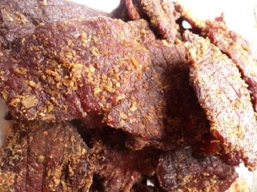 Nhâm nhi bò một nắng chấm muối kiến vàng - anh 3