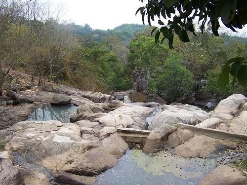 Đến Suối Tiên ngắm Đà Lạt thứ hai của Việt Nam - anh 2