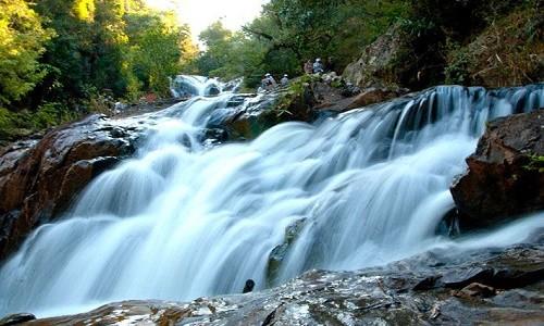 Đến Lâm Đồng chiêm ngưỡng vẻ đẹp của 5 ngọn thác nổi tiếng - anh 1