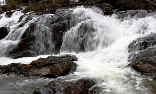 Đến Lâm Đồng chiêm ngưỡng vẻ đẹp của 5 ngọn thác nổi tiếng - anh 10