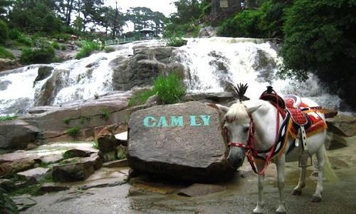 Đến Lâm Đồng chiêm ngưỡng vẻ đẹp của 5 ngọn thác nổi tiếng - anh 2