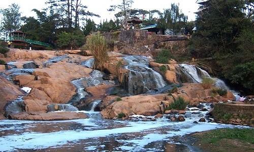 Đến Lâm Đồng chiêm ngưỡng vẻ đẹp của 5 ngọn thác nổi tiếng - anh 4