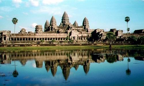 Nụ cười Angkor - anh 1