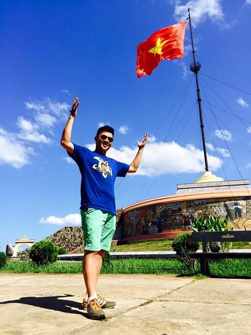 BTV Quang Minh: chuyến du lịch có đủ thành viên trong gia đình tôi là cách đây 1 năm - anh 7
