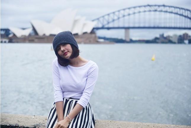 Vân Trang đẹp rạng ngời với phong cảnh mùa thu nước Úc - anh 5