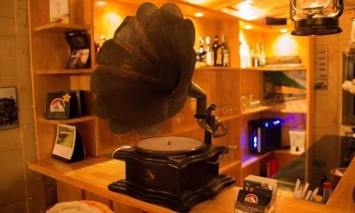 Trải nghiệm quán cà phê hơn 100 tuổi trên toa tàu tại Đà Lạt - anh 5