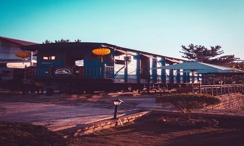 Trải nghiệm quán cà phê hơn 100 tuổi trên toa tàu tại Đà Lạt - anh 7