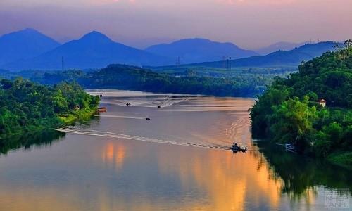 Điểm danh 10 con sông tạo nên dáng hình đất nước - anh 6