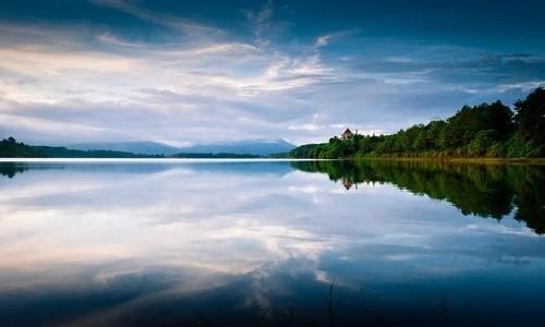Chiêm ngưỡng vẻ đẹp hồ T'nưng - hồ nước ngọt lớn nhất Tây Nguyên - anh 2