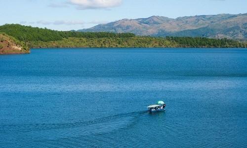 Chiêm ngưỡng vẻ đẹp hồ T'nưng - hồ nước ngọt lớn nhất Tây Nguyên - anh 4