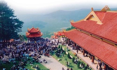 Ghé thăm Thiền viện Trúc Lâm Tây Thiên mùa Vu Lan 2015 - anh 2