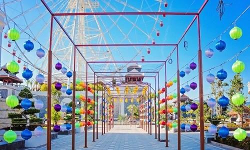 Rằm tháng 7, lạc vào thế giới đèn lồng rực rỡ sắc màu ở Đà Nẵng - anh 1