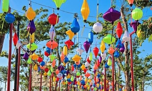 Rằm tháng 7, lạc vào thế giới đèn lồng rực rỡ sắc màu ở Đà Nẵng - anh 4