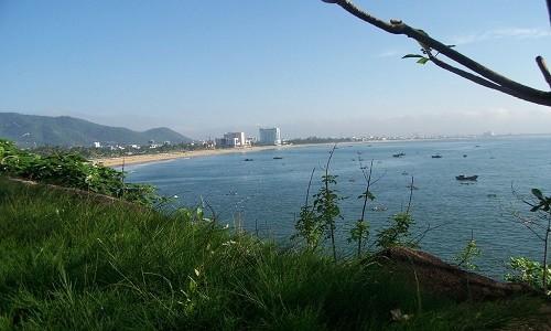 Ghé Bình Định thả mình trong làn nước trong xanh của bãi tắm Hoàng Hậu - anh 4