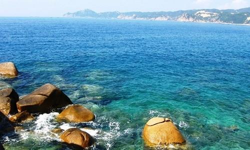 Ghé Bình Định thả mình trong làn nước trong xanh của bãi tắm Hoàng Hậu - anh 6