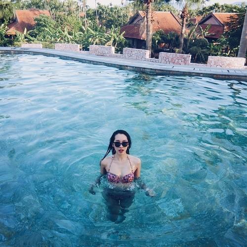 Ca sĩ Emily mong muốn đặt chân đến thiên đường nghỉ dưỡng Maldives - anh 2