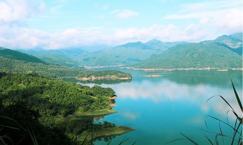 Thung lũng Ba Khan - điểm đến cuối tuần cực đẹp gần Hà Nội - anh 1