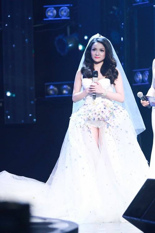 Tuyệt đỉnh tranh tài 2015: Thủy top gây sững sờ Ban giám khảo khi hát live tốt - anh 2