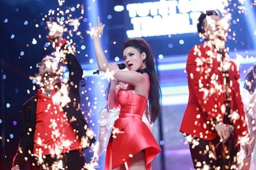 Tuyệt đỉnh tranh tài 2015: Thủy top gây sững sờ Ban giám khảo khi hát live tốt - anh 4