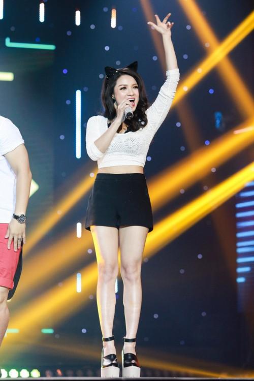 Tuyệt đỉnh tranh tài 2015: Thủy top gây sững sờ Ban giám khảo khi hát live tốt - anh 5
