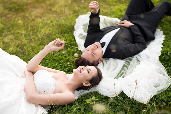 Vợ chồng Diễm Hương tung ảnh cưới lãng mạn tại Đà Lạt - anh 3