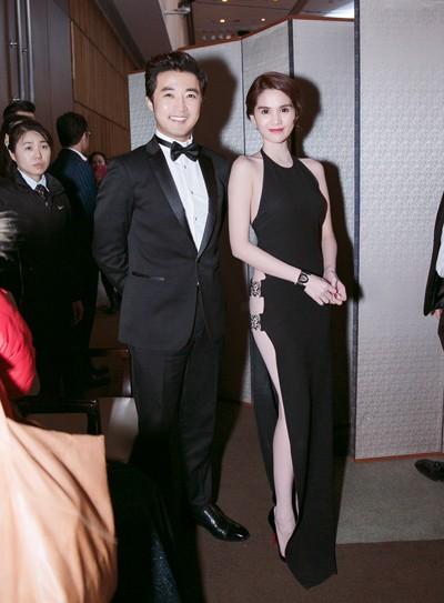 Ngọc Trinh diện váy táo bạo trên thảm đỏ sự kiện ở Hàn Quốc - anh 9