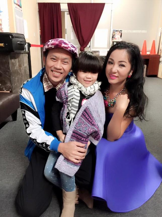 Danh hài Hoài Linh nhận con gái Thúy Nga làm con nuôi - anh 4