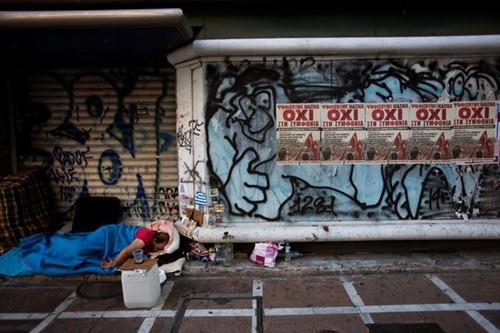 Cuộc khủng hoảng tại Hy Lạp khiến 20.000 người vô gia cư - anh 2