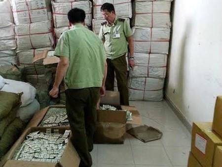 Hà Nội: Phát hiện gần 700.000 bao cao su Trung Quốc mác Hàn Quốc, Malaysia - anh 1