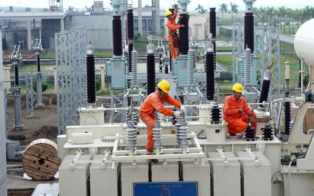 Sẽ xóa bỏ độc quyền kinh doanh xăng dầu và điện - anh 1